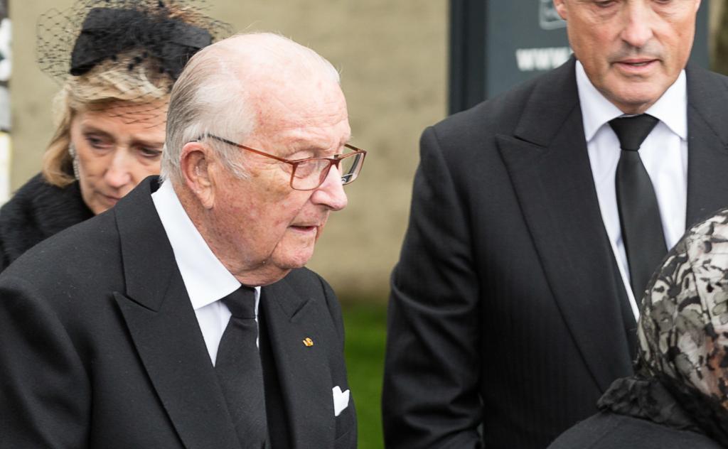Koning Albert akkoord voor DNA-test Delphine Boël, maar blijft tijd rekken