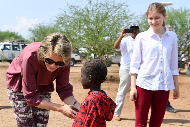FOTO'S: Koninklijke snuffelstage: Mathilde neemt oudste dochter (17) mee naar Kenia