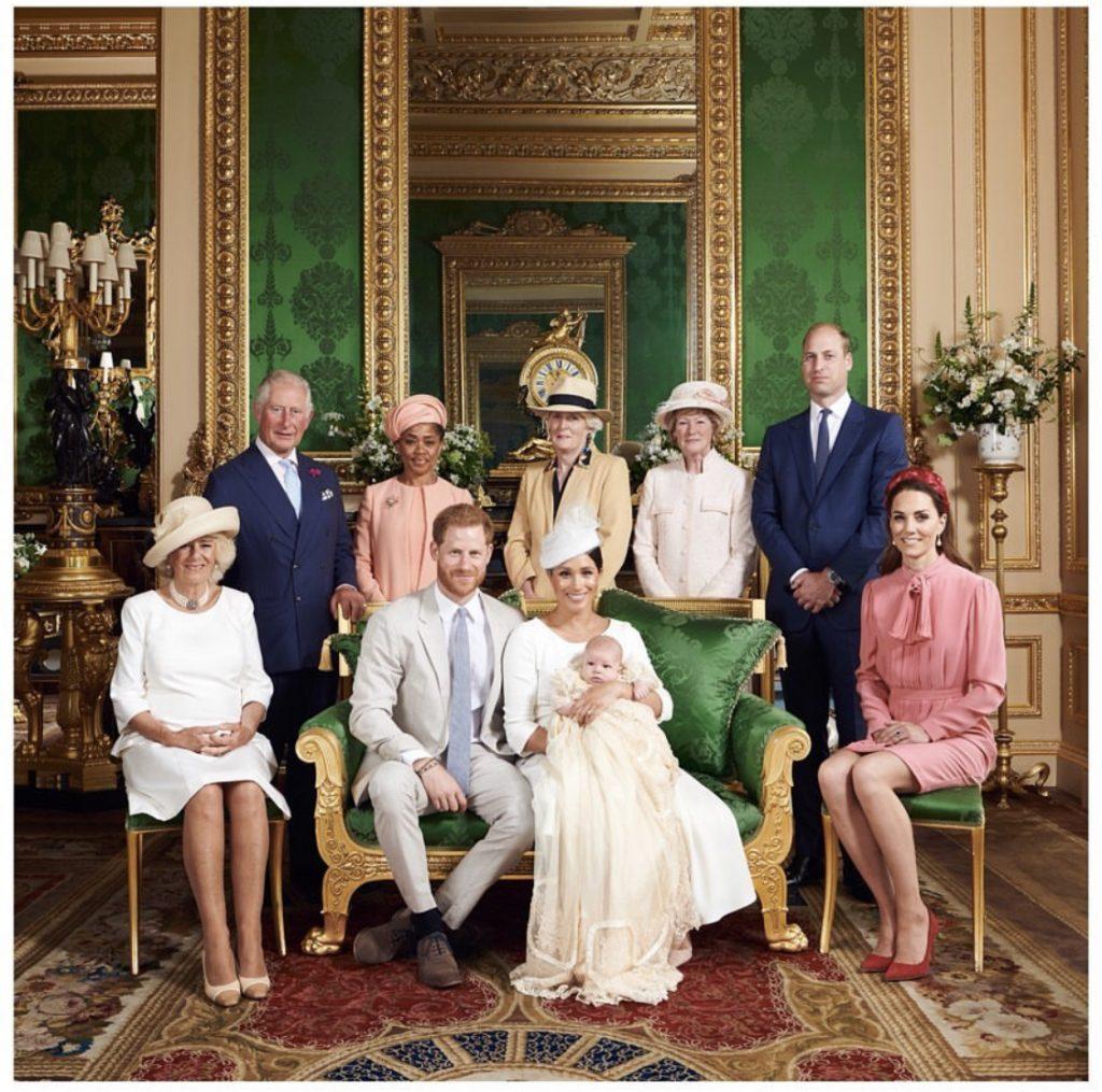 Harry en Meghan laten zoontje Archie dopen op Windsor Castle