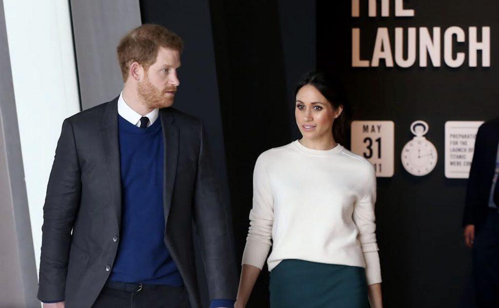 """""""Koningin Elizabeth duikt op om Harry en Meghan te helpen"""""""