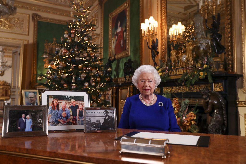 <small>Elizabeth pleit in kersttoespraak voor verzoening</small><br>…zonder Harry en Meghan in beeld